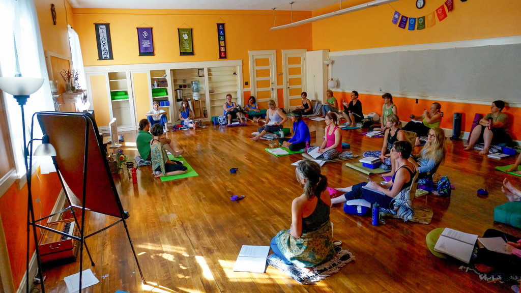 200-HR YTT Class at Bliss Studio
